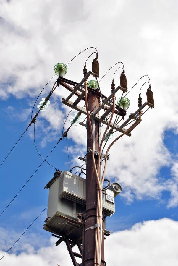 De elektriciteit van de hoogspanning royalty-vrije stock fotografie