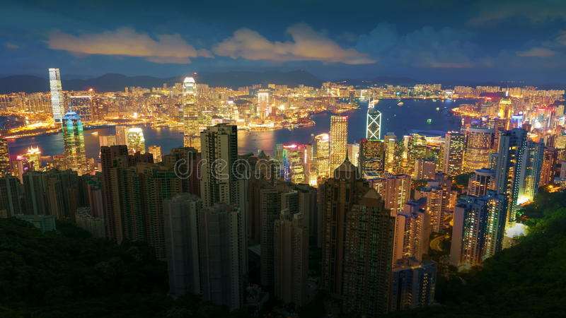 De Elektriciteitspanne van stadswolkenkrabbers