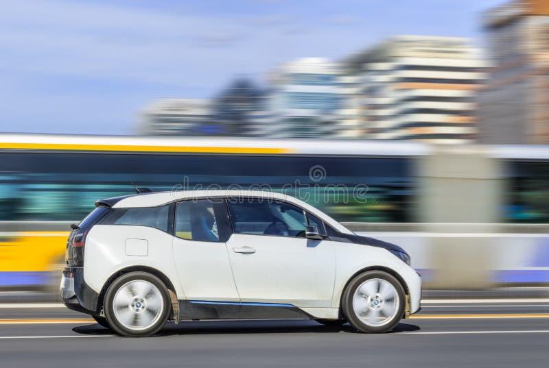 De Elektrische auto van BMW i3 op de weg, Peking, China stock afbeelding