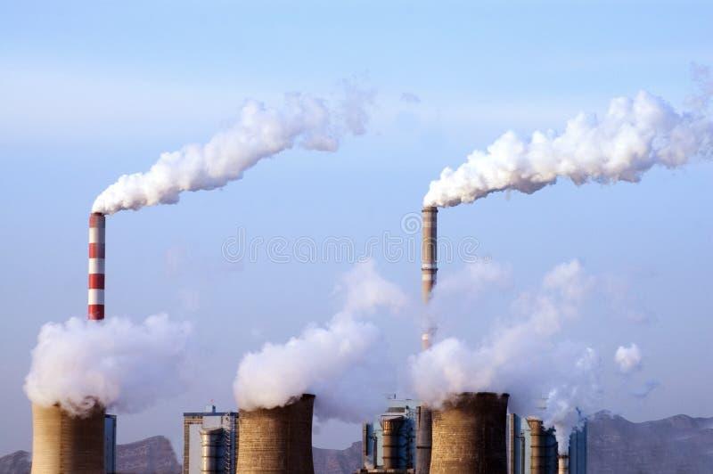 De elektrische centrale van de steenkool stock afbeeldingen