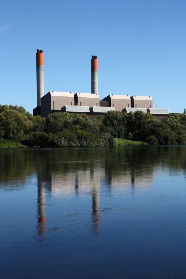 De Elektrische centrale van de steenkool stock foto's