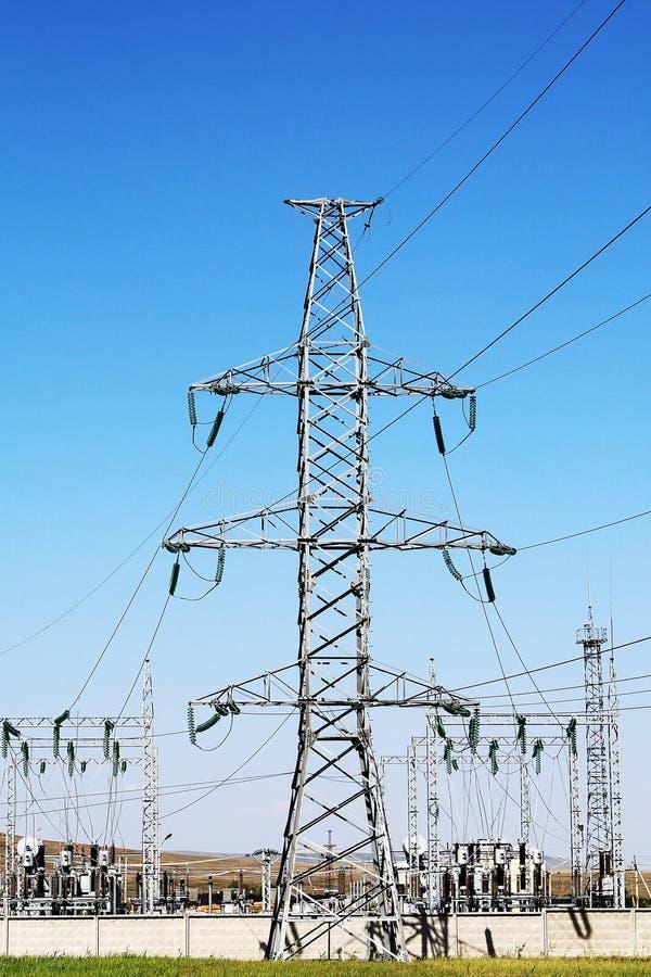 De Elektrische Toren van de hoogspanning Machtsconcept stock foto's