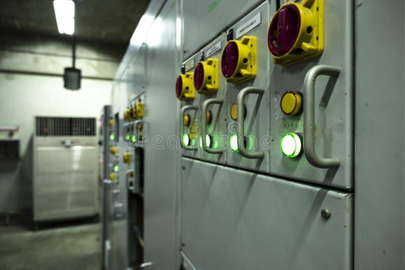 De elektroraad van de controlekamerkring in bedrijven stock foto