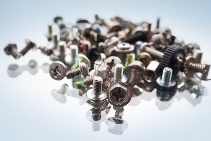 De elementen van de de computerassemblage van het schroevenassortiment stock foto