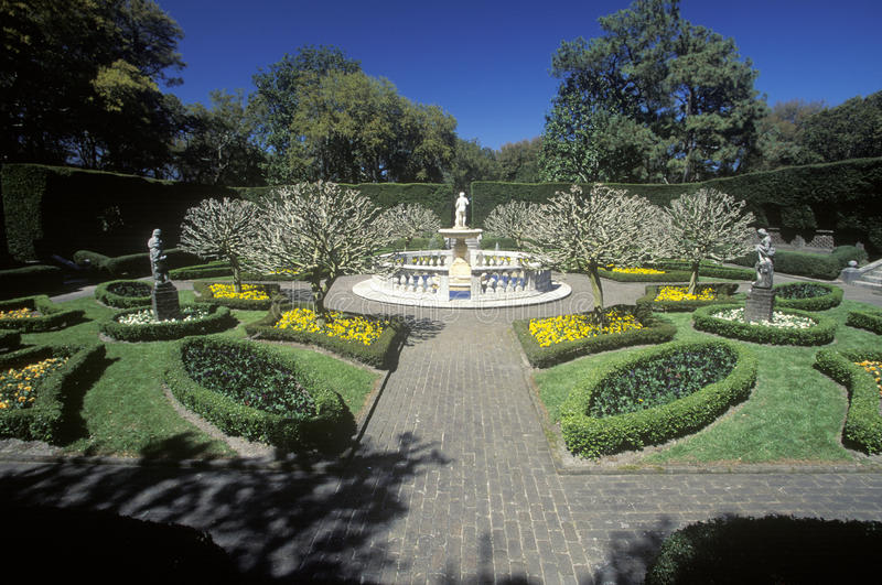 De Elizabethan trädgårdarna royaltyfria foton