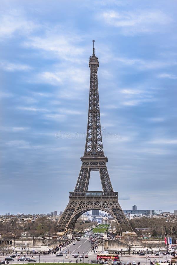 De emblematische toren van Eiffel in het seing van Parijs van Trocadero stock foto