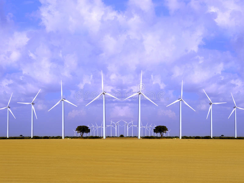 De energiegebied van de wind met windturbines. stock afbeelding