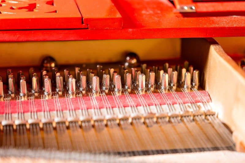 De equaliserconsole van de muziekmixer voor het correcte apparaat van de mixercontrole Correcte de equalisercontrole van de techn stock afbeeldingen