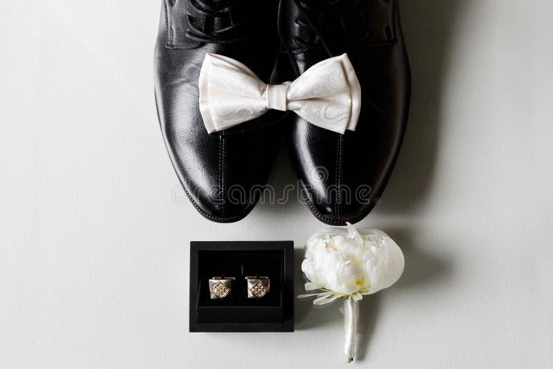 De essentiële details voor een bruidegom stock afbeeldingen