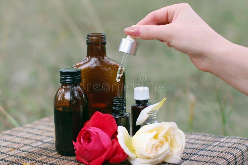 De essentiële olie van de bloem royalty-vrije stock afbeelding