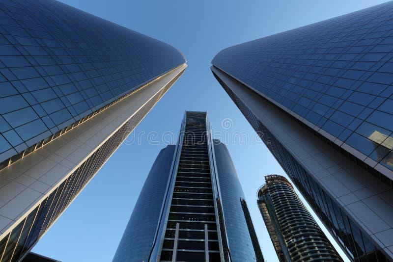 De Etihad-Torens in Abu Dhabi stock foto's