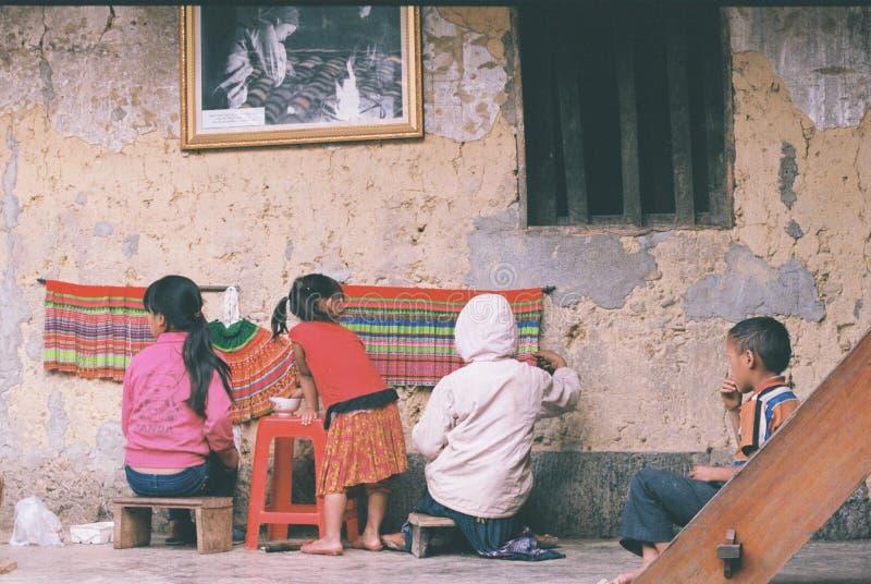 De etniska barnen royaltyfria bilder