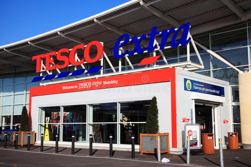 De Extra supermarkt van Tesco royalty-vrije stock afbeelding