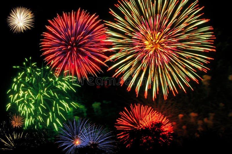 De extravagantie van het vuurwerk stock foto's