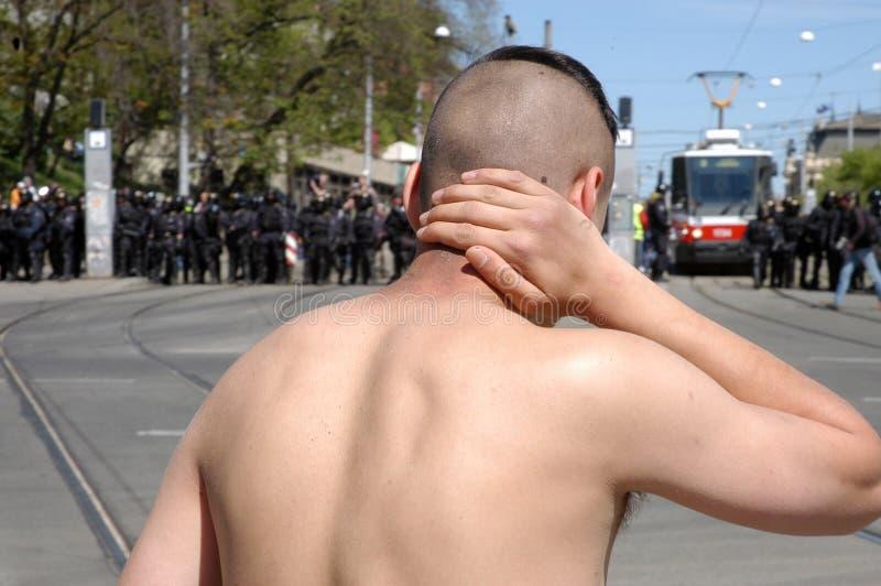 De extremisten botsen met politie stock foto's