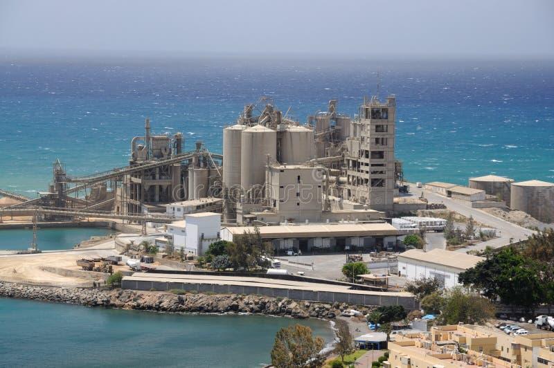 De fabriek van het cement stock foto