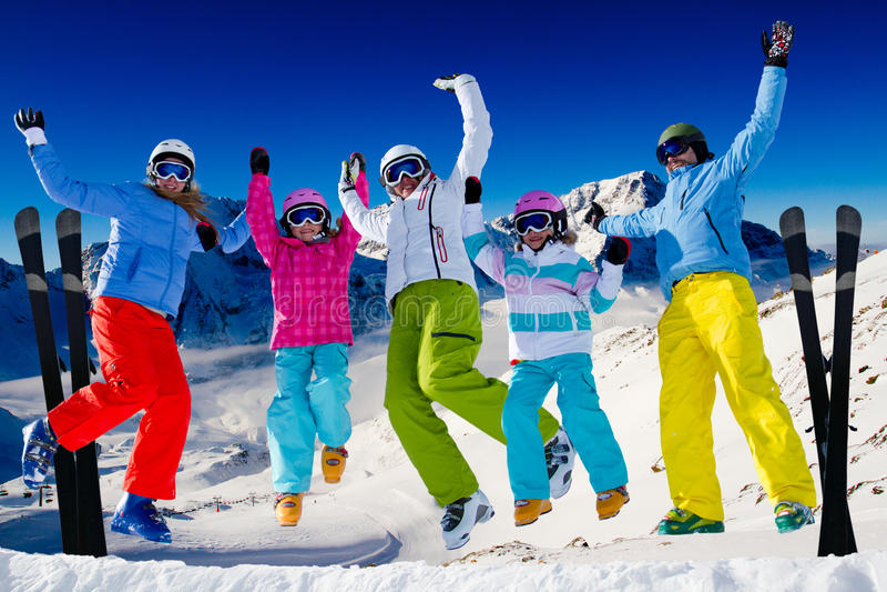 De familie van de ski royalty-vrije stock afbeelding