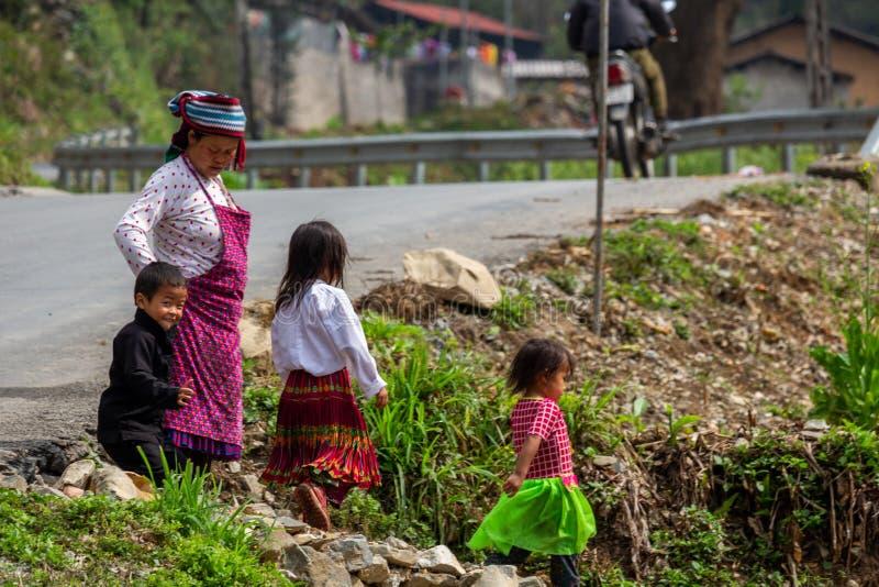 De familie Vietnam van de Hmongetnische minderheid royalty-vrije stock fotografie