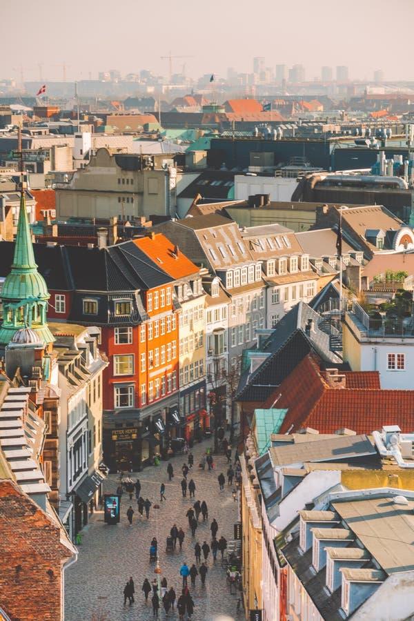 18 de febrero de 2019 Dinamarca Copenhague Vista superior panorámica del centro de ciudad de un punto álgido Torre redonda de Run fotos de archivo