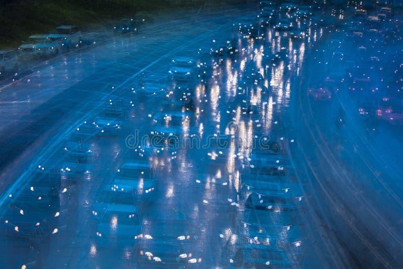 2 DE FEBRERO DE 2019 - LOS ANGELES, CA, los E.E.U.U. - extracto y congesti?n de tr?fico impresionista en una tormenta de la lluvi imagen de archivo libre de regalías