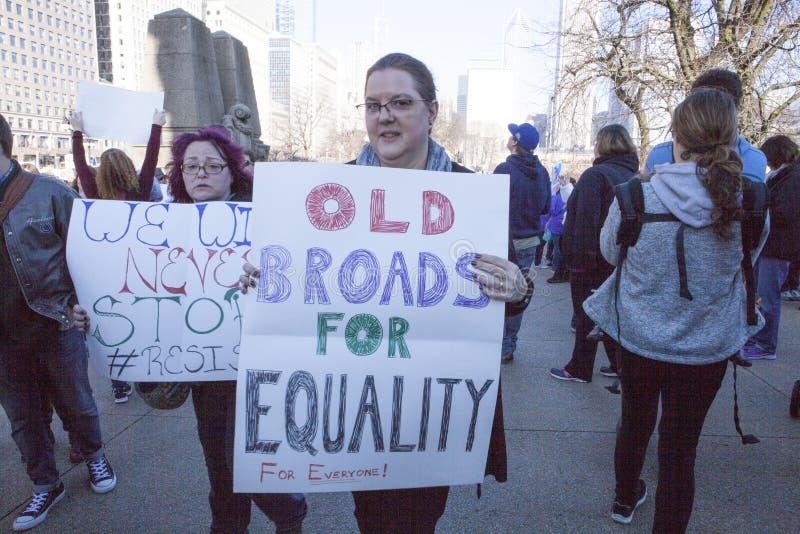 ` De femmes s mars sur Chicago 2017 images libres de droits