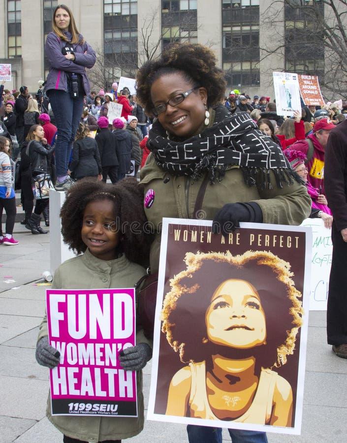 ` De femmes s mars sur Washington photo libre de droits