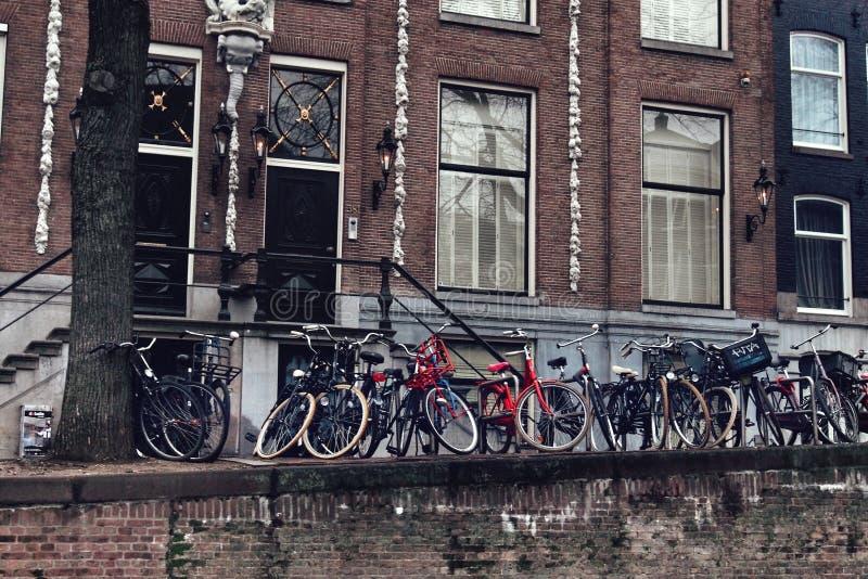 De fietsen van Amsterdam stock foto's
