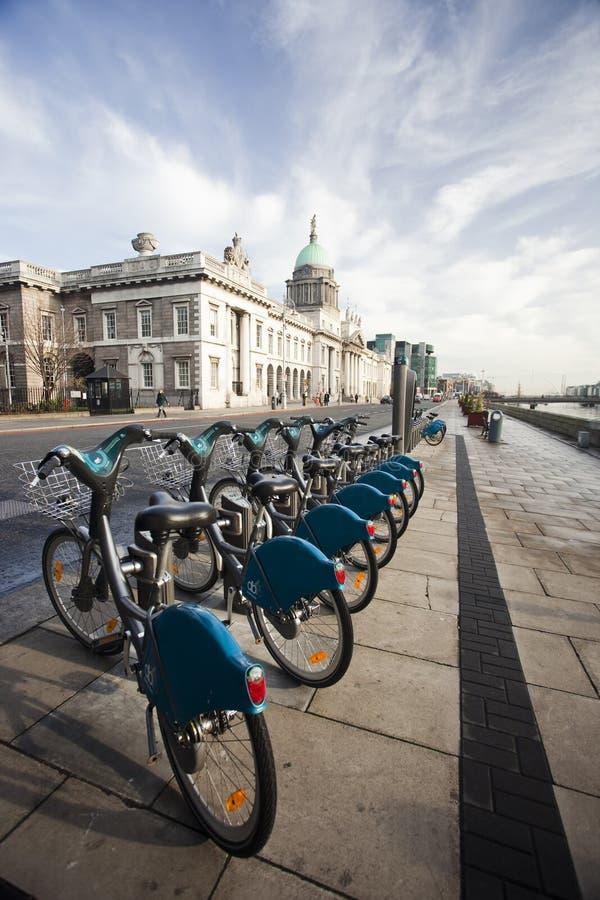 De fietsen van Dublin stock foto's