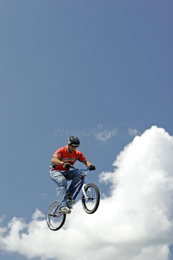 De Fietser Hector Restrepo van de Stunt BMX royalty-vrije stock fotografie