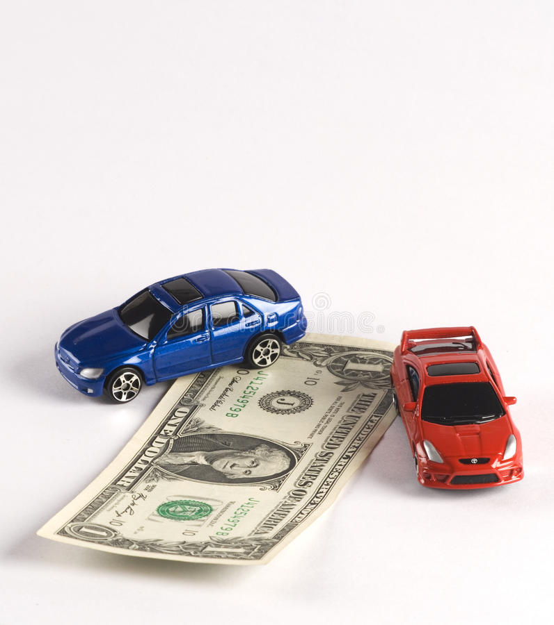 De Financiën van de auto in Dollars met twee auto's die op w worden geïsoleerde stock afbeelding