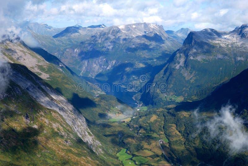 De fjord van Geiranger in Noorwegen stock fotografie