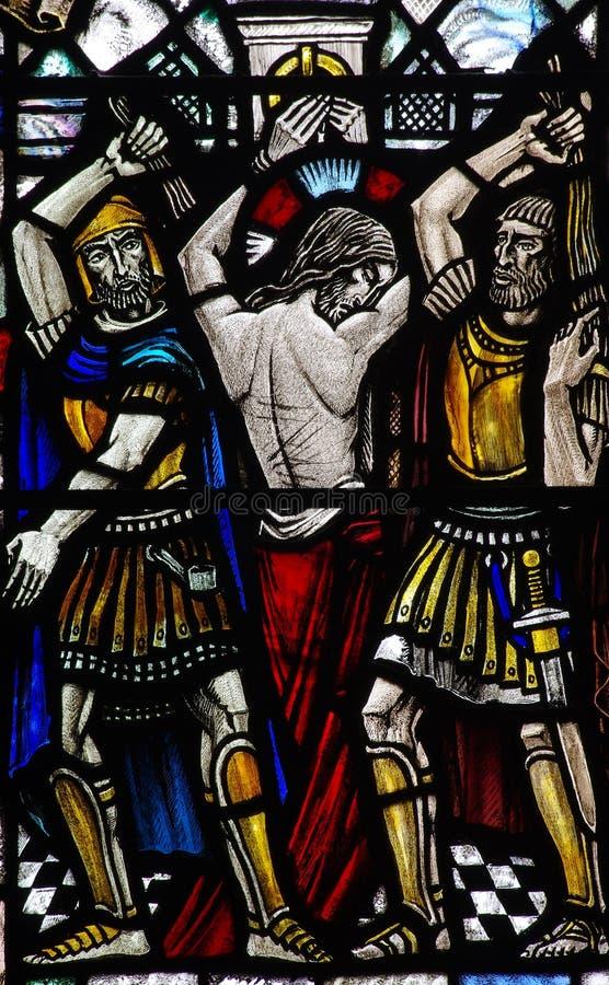 De flagellatie van Jesus Christ in gebrandschilderd glas stock foto's