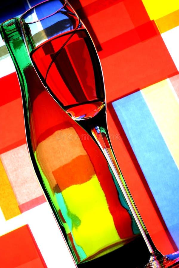 De Fles van de wijn & de Samenvatting van het Glas