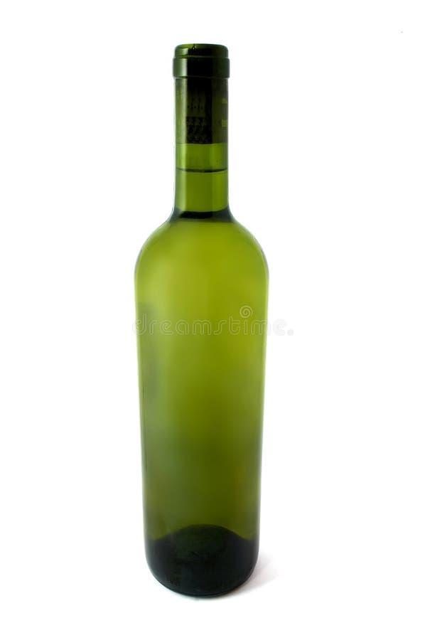 De Fles van de wijn die over witte achtergrond wordt geïsoleerds. stock foto
