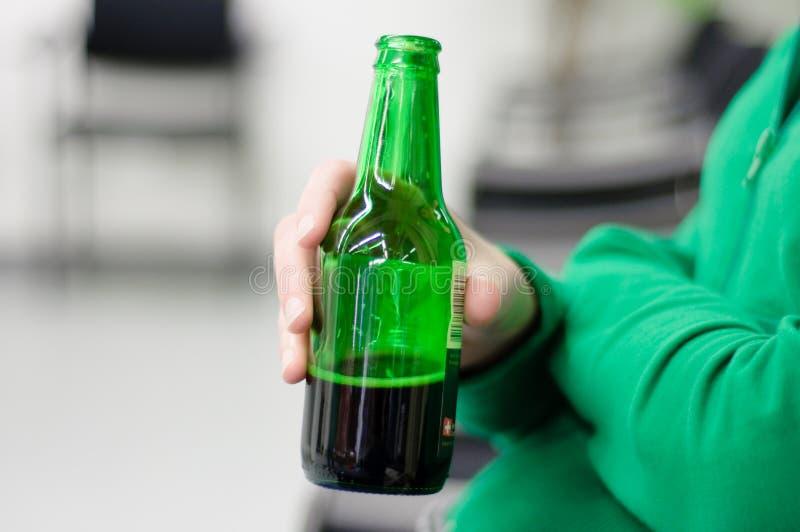De fles van het bier stock afbeelding