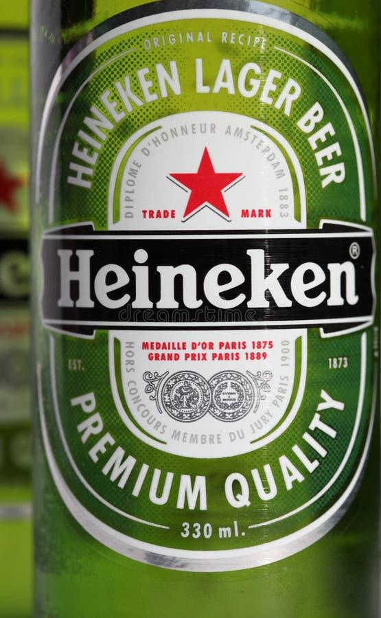 De Fles van het Bier van Heineken stock afbeelding