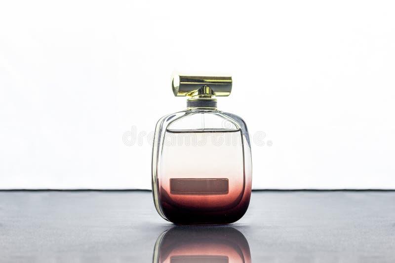 De fles van het Packshotparfum royalty-vrije stock fotografie