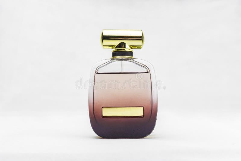 De fles van het Packshotparfum royalty-vrije stock afbeelding