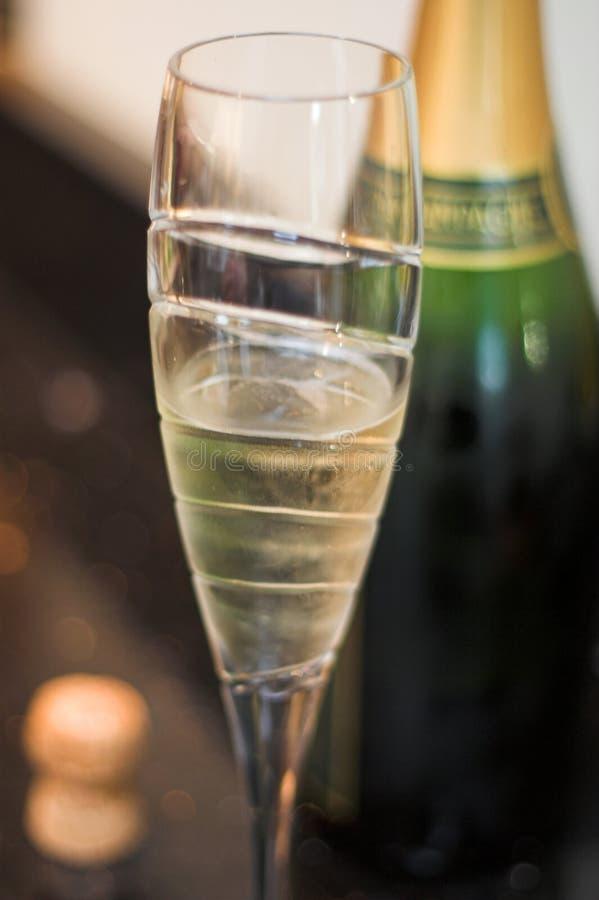 De fluit van Champagne met cork en fles royalty-vrije stock foto's