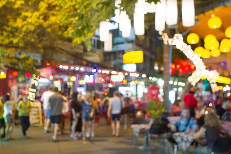 De fokuserade av den Khao San vägen, Thailand royaltyfri foto