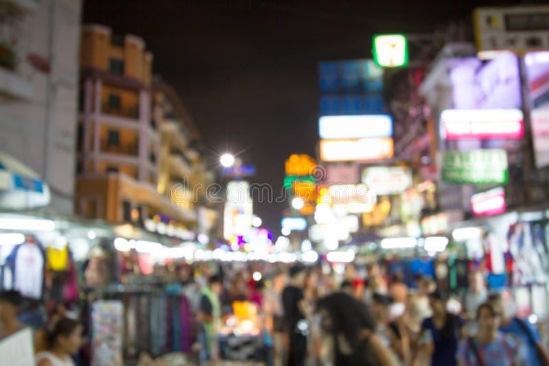 De fokuserade av den Khao San vägen, Thailand royaltyfria bilder