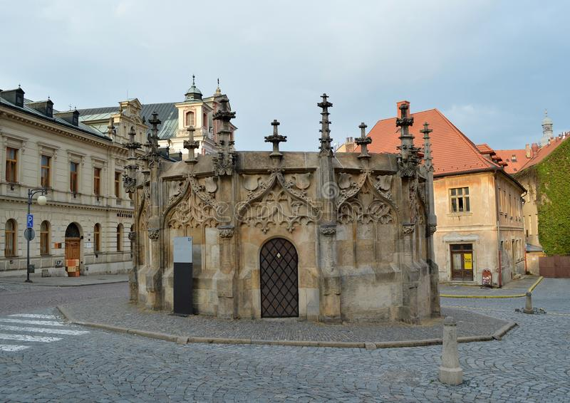 De Fontein van de Goticsteen in Kutna Hora, Tsjechische Republiek royalty-vrije stock afbeelding