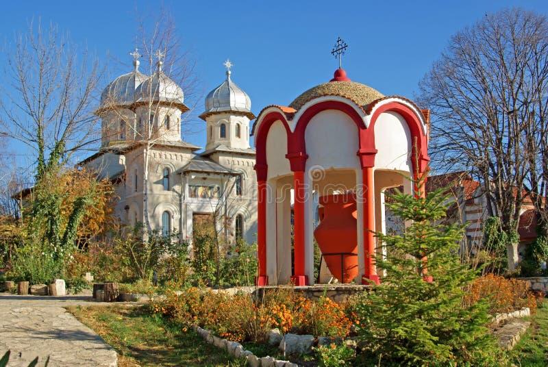 De fontein van de hulst in dervent klooster stock foto's