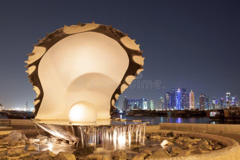 De Fontein van de parel in Doha, Qatar stock foto