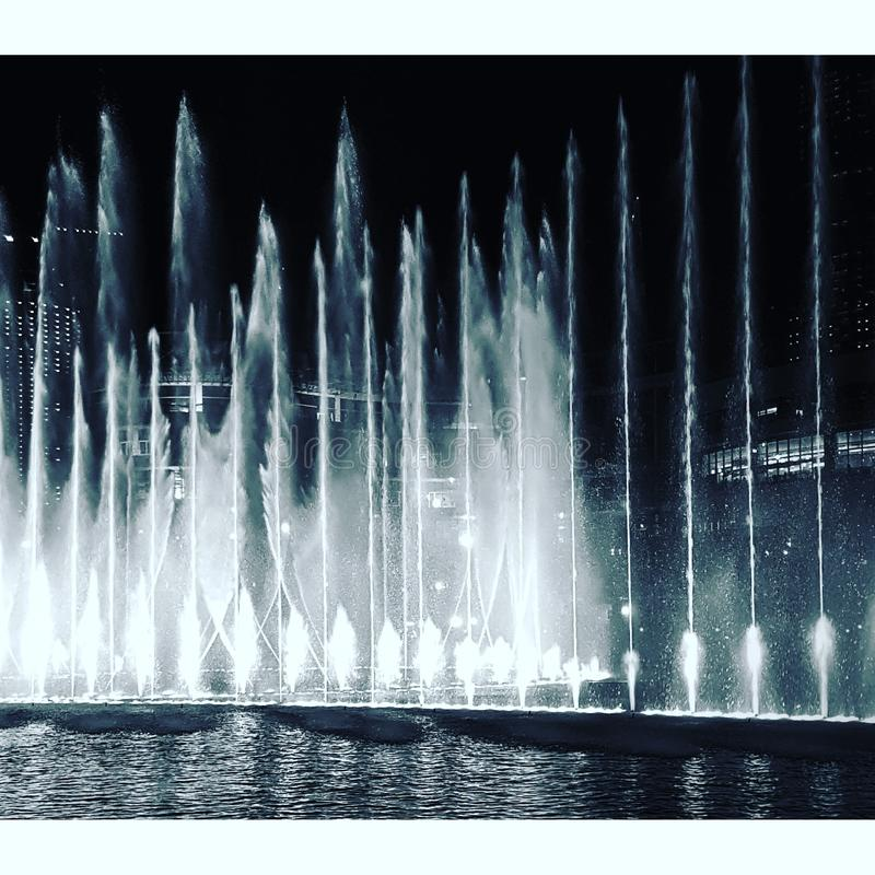 De fontein van Doubai stock fotografie