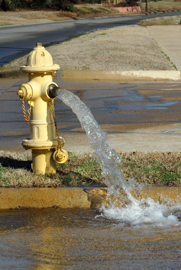 De Fontein van het Water van de hydrant stock afbeeldingen
