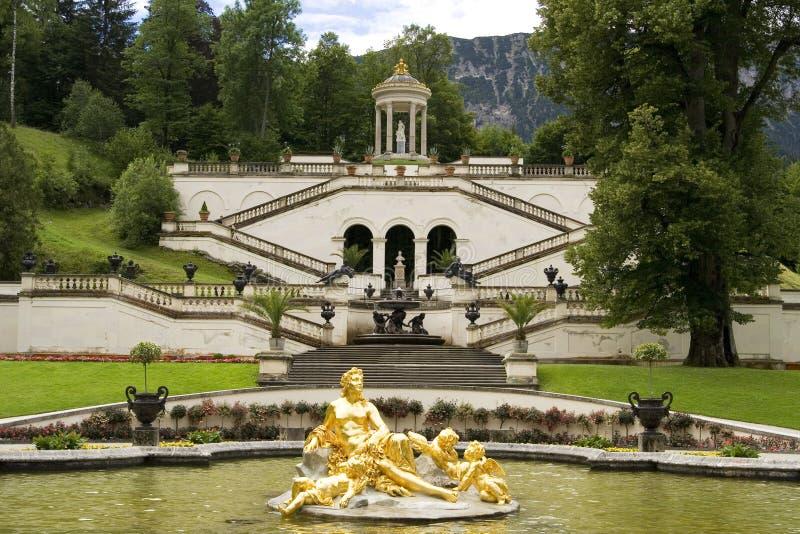 De fontein van kasteel Linderhof royalty-vrije stock afbeeldingen