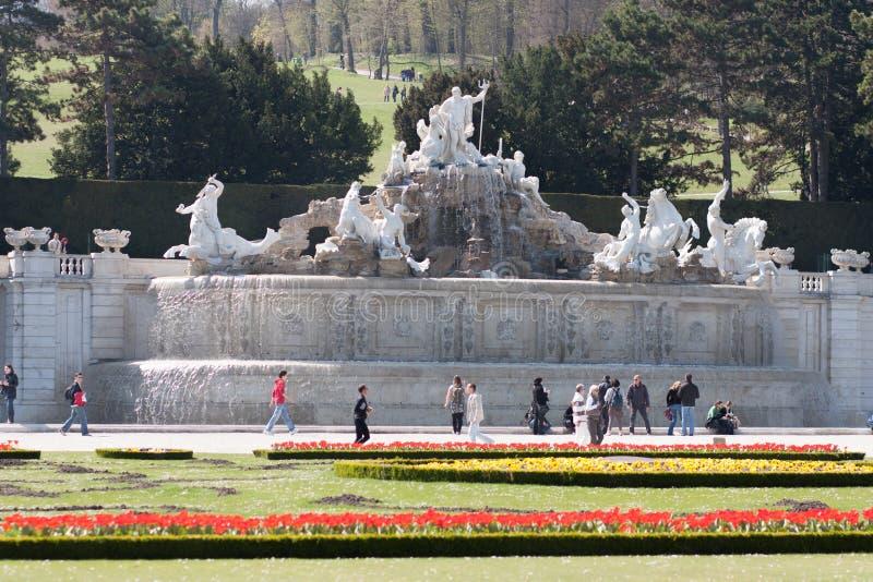 De Fontein van Neptunus bij Schonbrunn-Paleis, Wenen, Oostenrijk stock fotografie