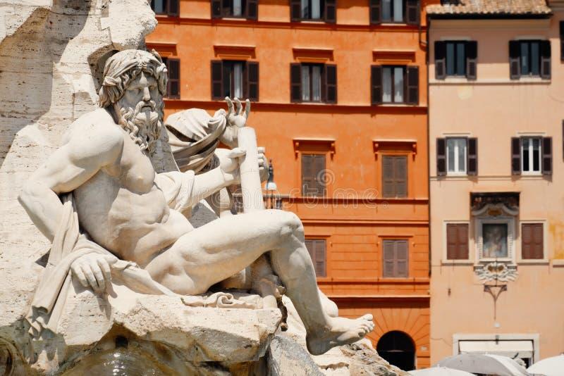 De Fontein van de Vier Rivieren bij Piazza Navona in Rome stock afbeeldingen