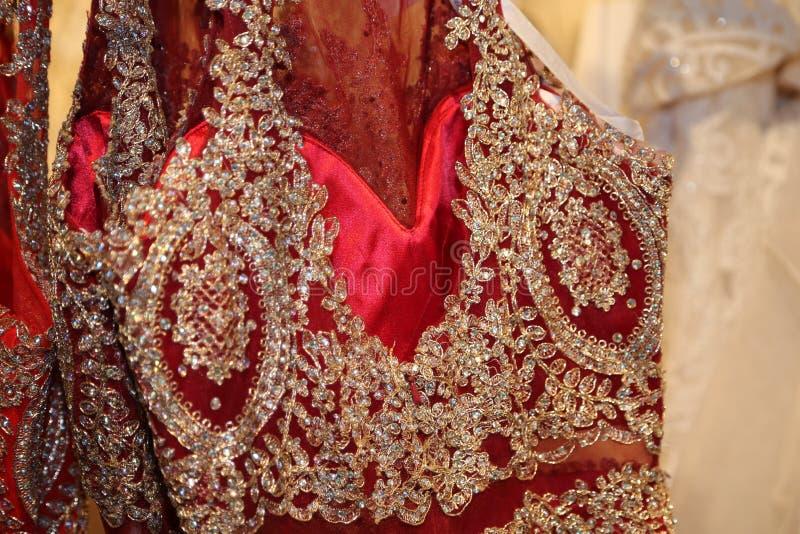 De formele kledingstukindustrie die buitensporige toga's voor luxeboutiques vervaardigen! royalty-vrije stock fotografie